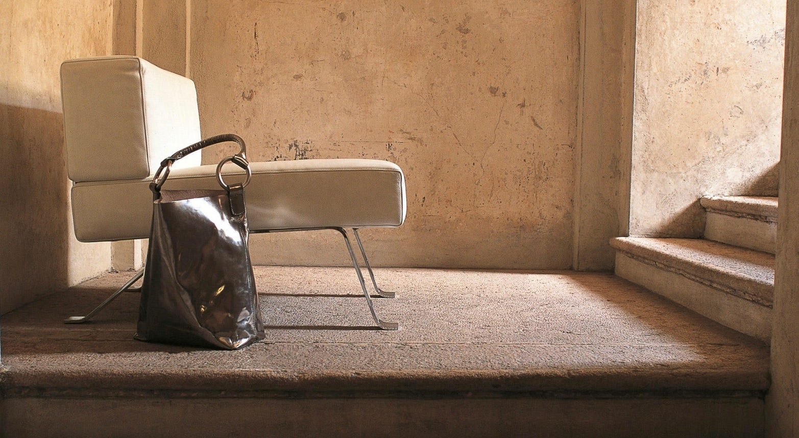 Ombra lounge chair Charlotte Perriand Cassina 3