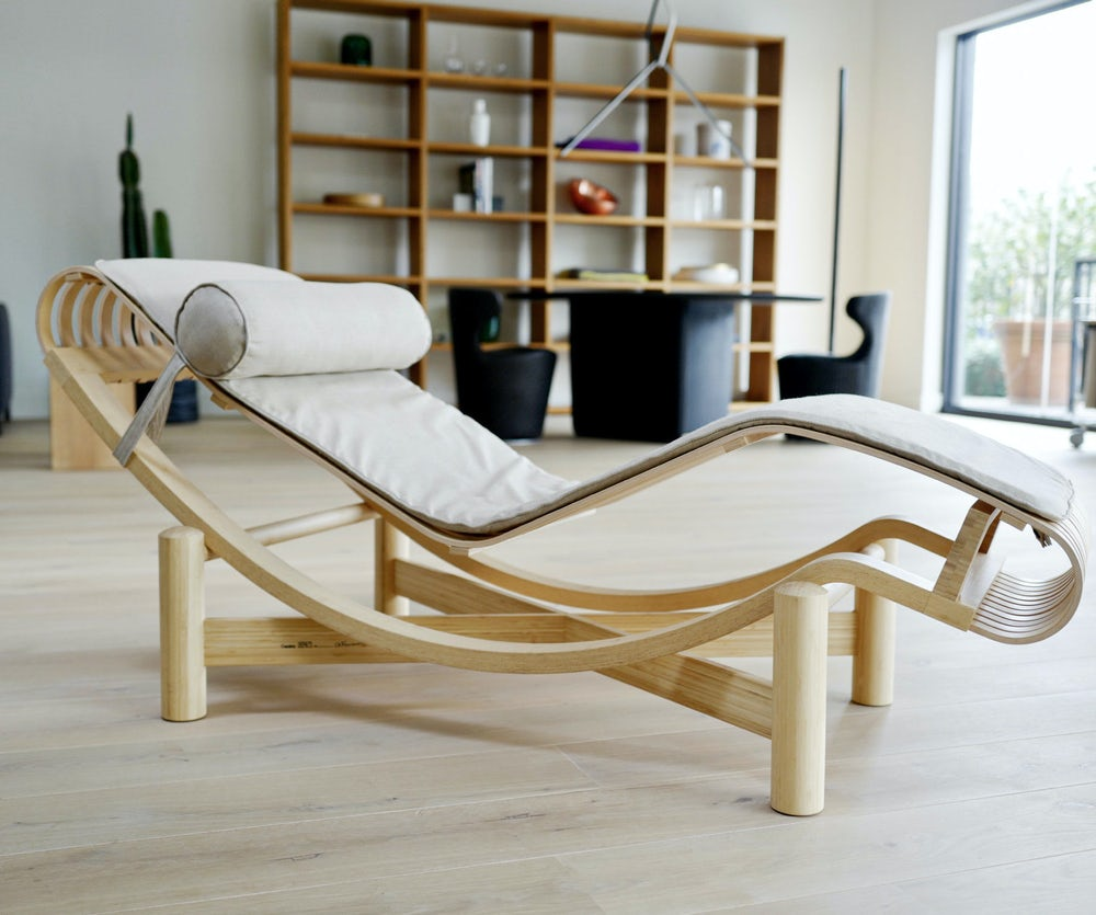 Tokyo chaise charlotte perriand