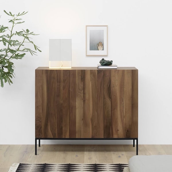 e15 fariba sideboard with seam two lamp