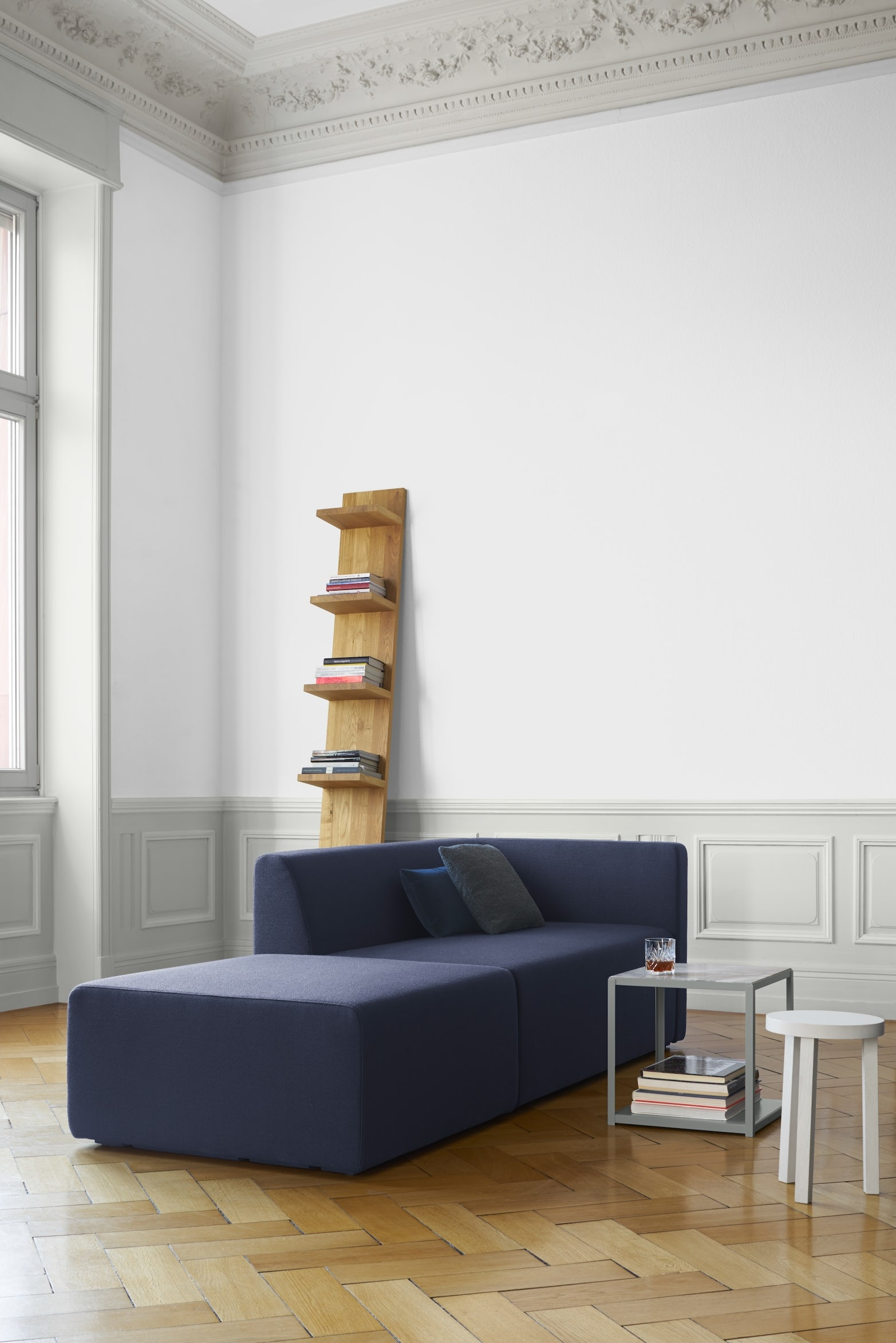 e15 mate shelf with kerman sofa and forty forty table