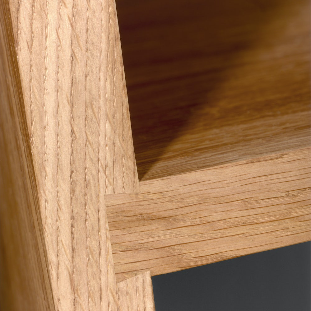 e15 mate shelf in oiled oak close up