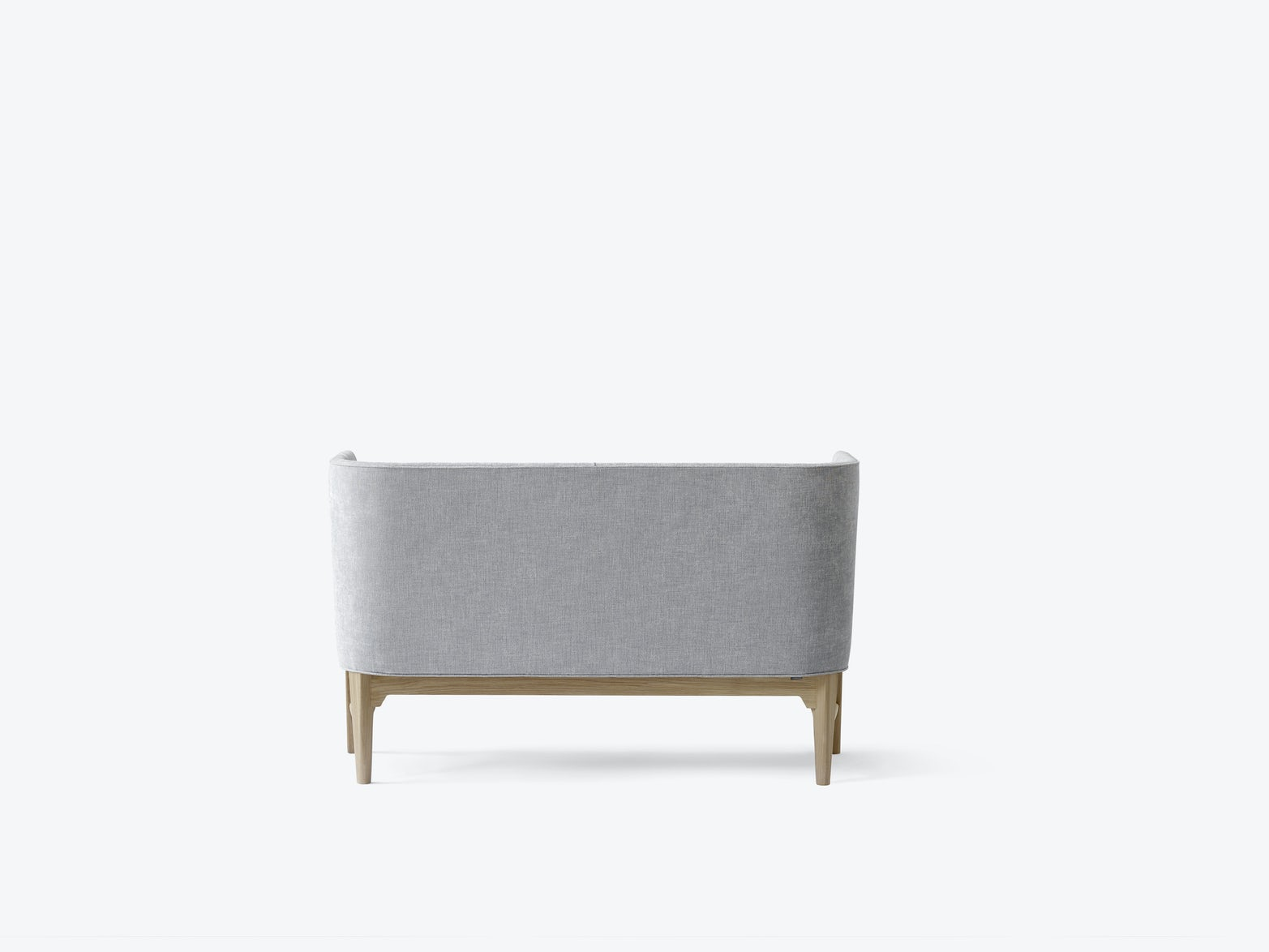 Mayor-sofa-AJ6-Arne-Jacobsen-Flemming-Lassen-andtradition-5