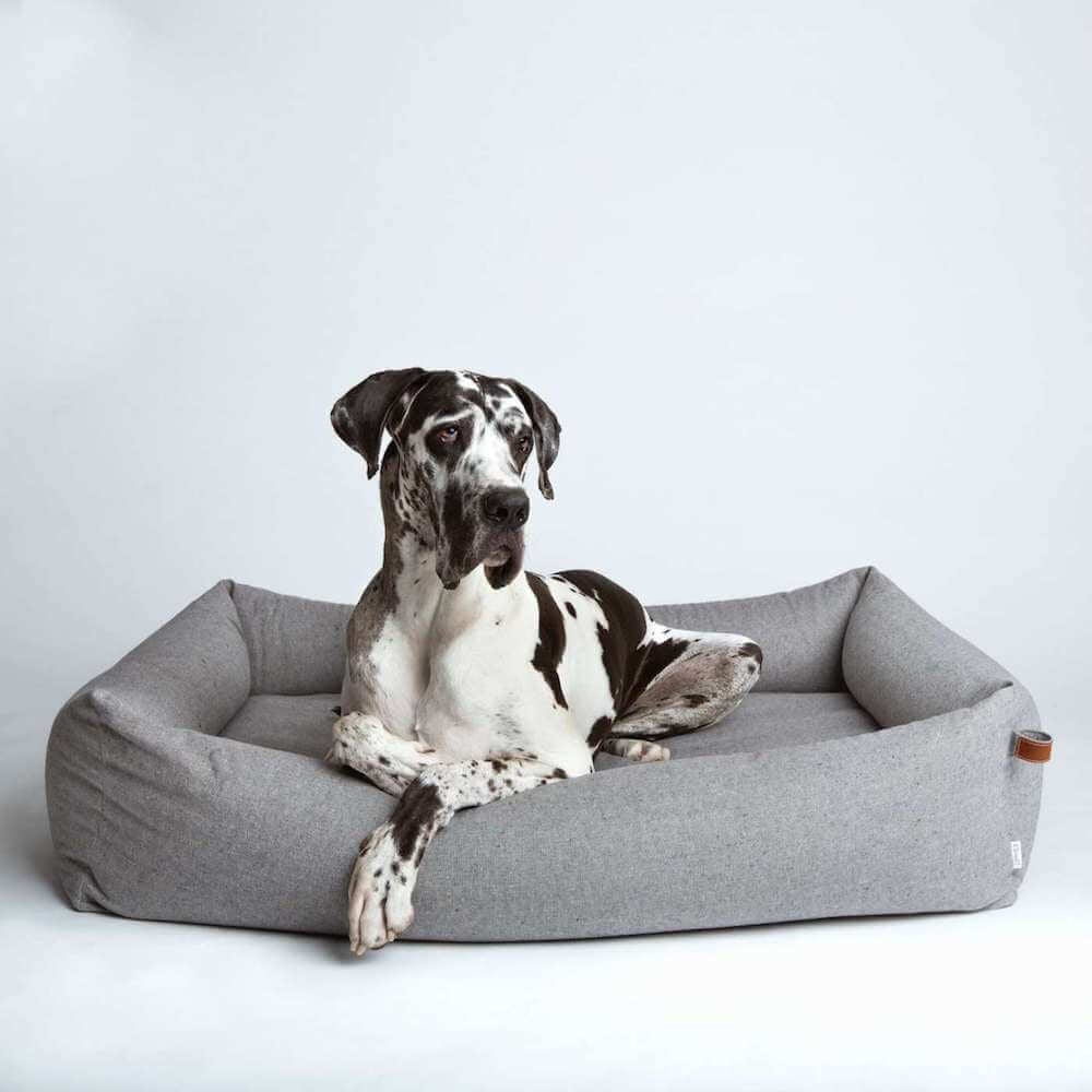 Cloud7 Dog Bed Sleepy Tweed Grey Context 7
