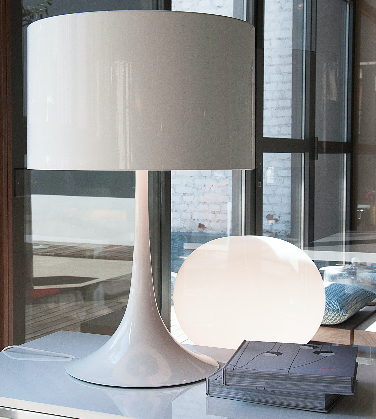 Spun light T2 table lamp Sebastian Wrong Flos 6 2
