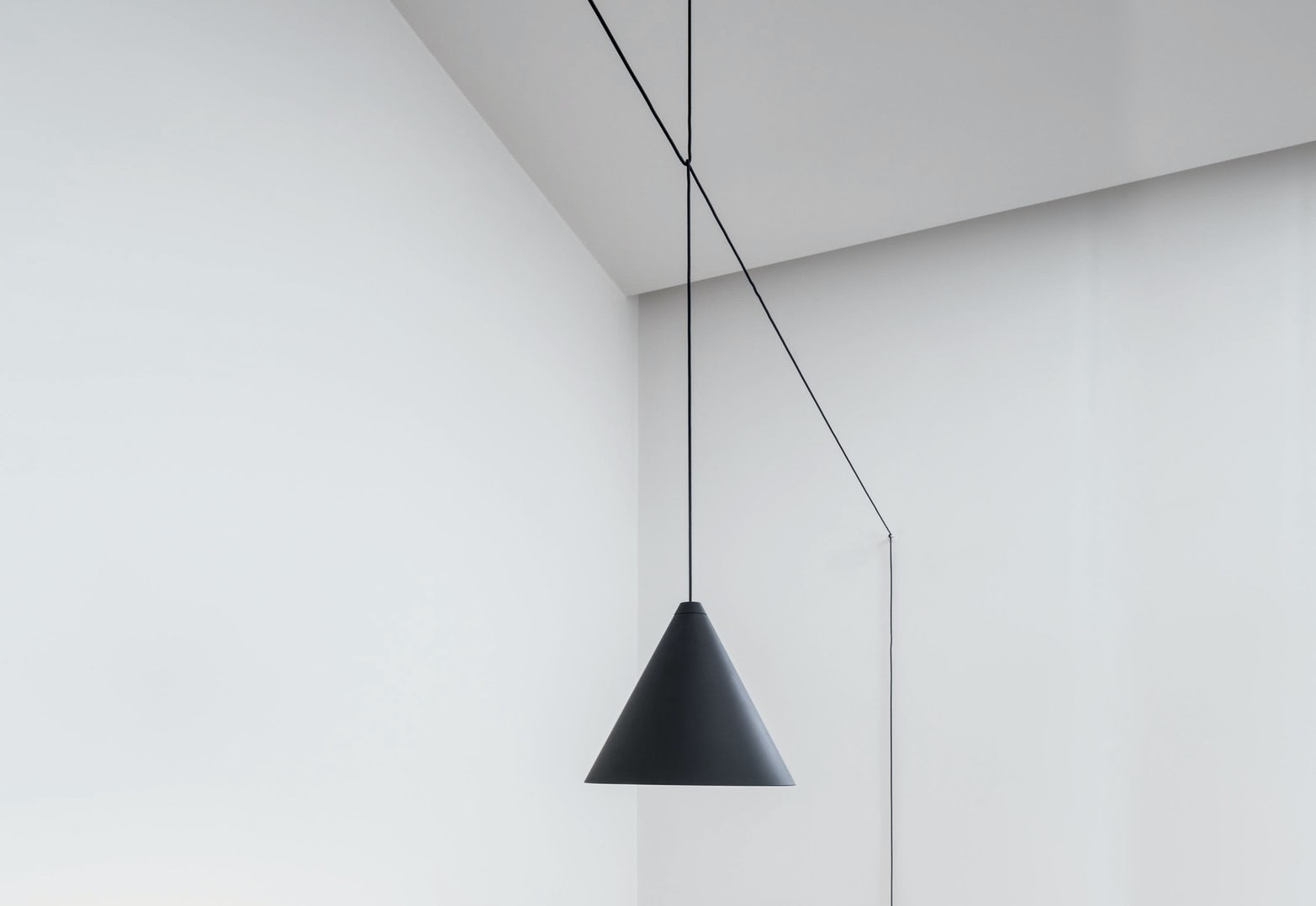 String-Lights-Cone-Suspension-Flos-3